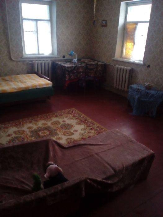 Продам ? пол дома, г. Киев                               в р-н Святошинский                                                               фото