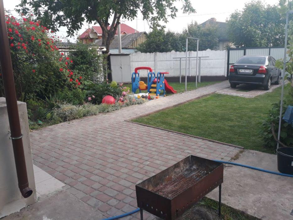 Продам ? пол дома, г. Киев                               в р-н Дарницкий                               возле м. <strong>Бориспольская</strong>                                  фото