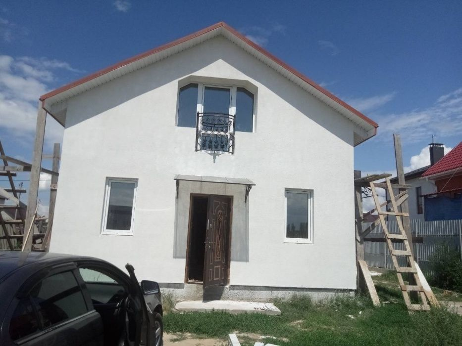 Продам ? дом, г. Киев                               в р-н Святошинский                                                               фото