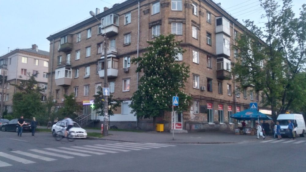 Продам ? 4 к, г. Киев                               в р-не Дарница возле м. <strong>Дарница</strong>                                  фото