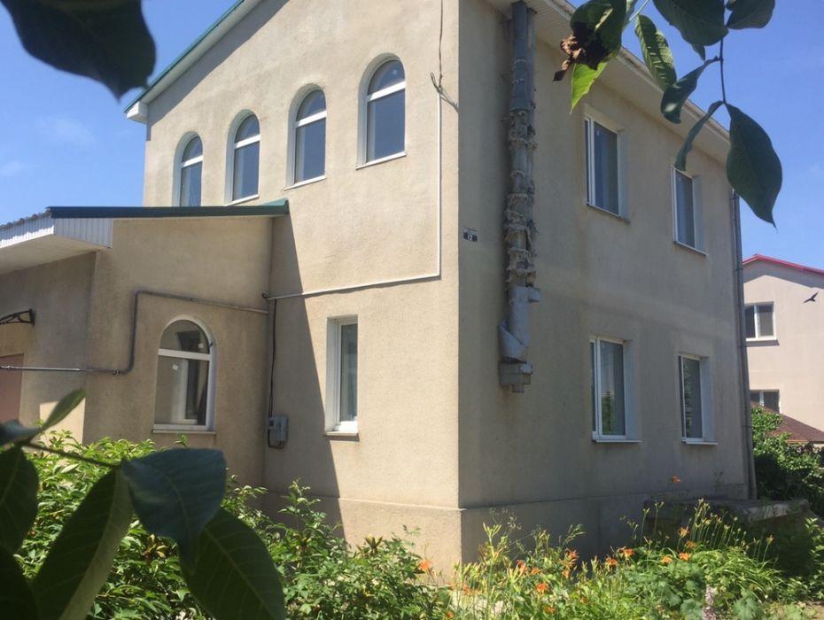 Продам ? дом, г. Киев                               в р-н Голосеевский                                                               фото